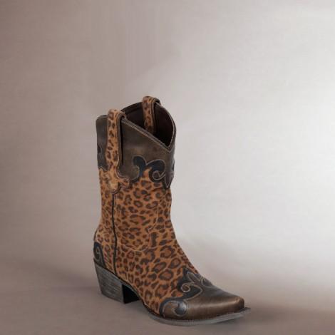 Dakota in Cheetah