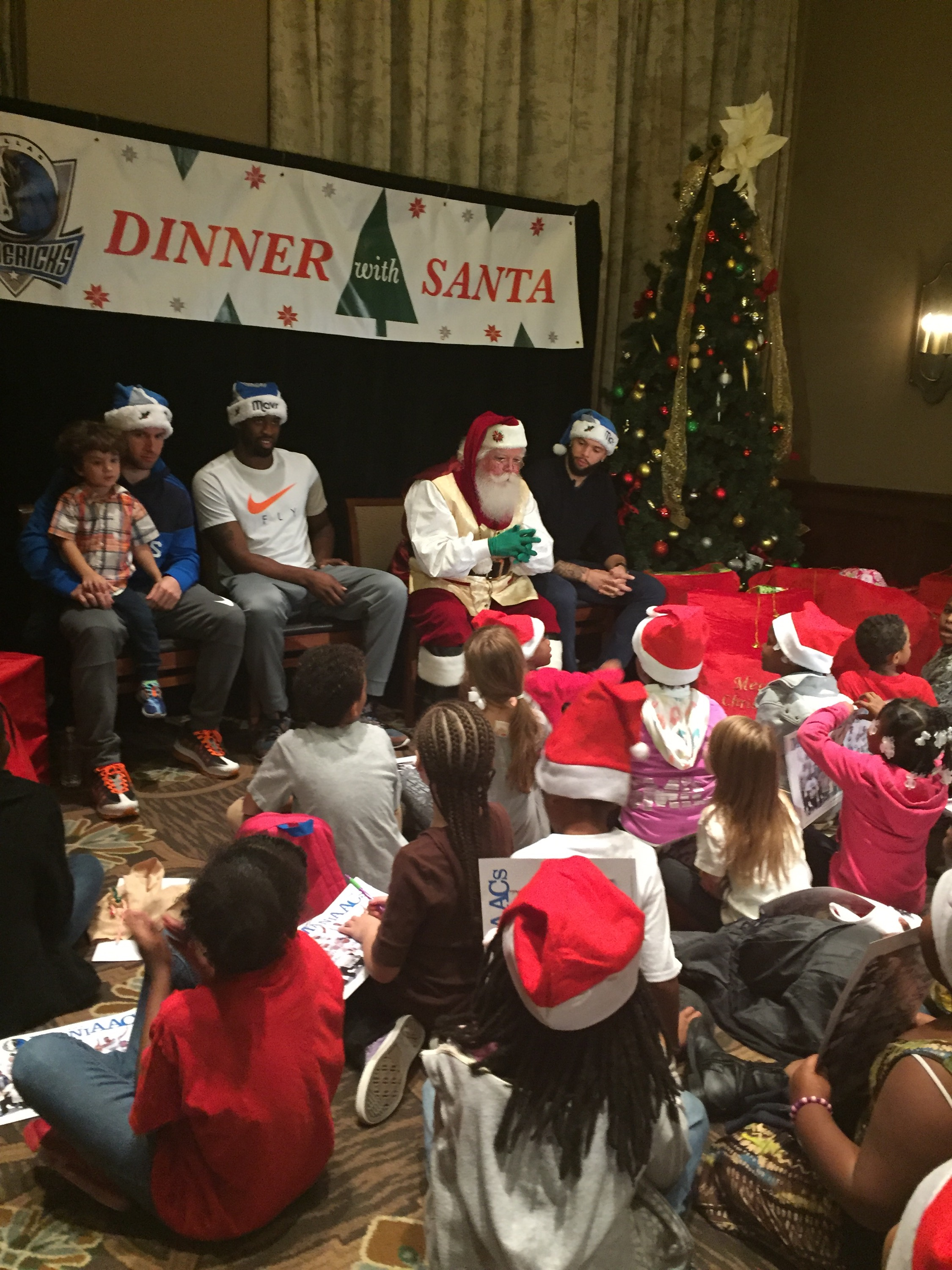 Dallas Mavericks Dinner with Santa